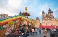Dekoracje wielkanocnych targów, Rynek Starego Miasta, Praga, Czechy