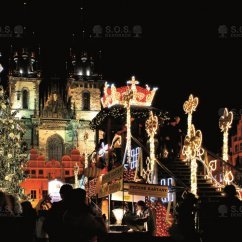 VIDEO: Iluminacja bożonarodzeniowej choinki, Rynek Starego Miasta, Praga, Czechy
